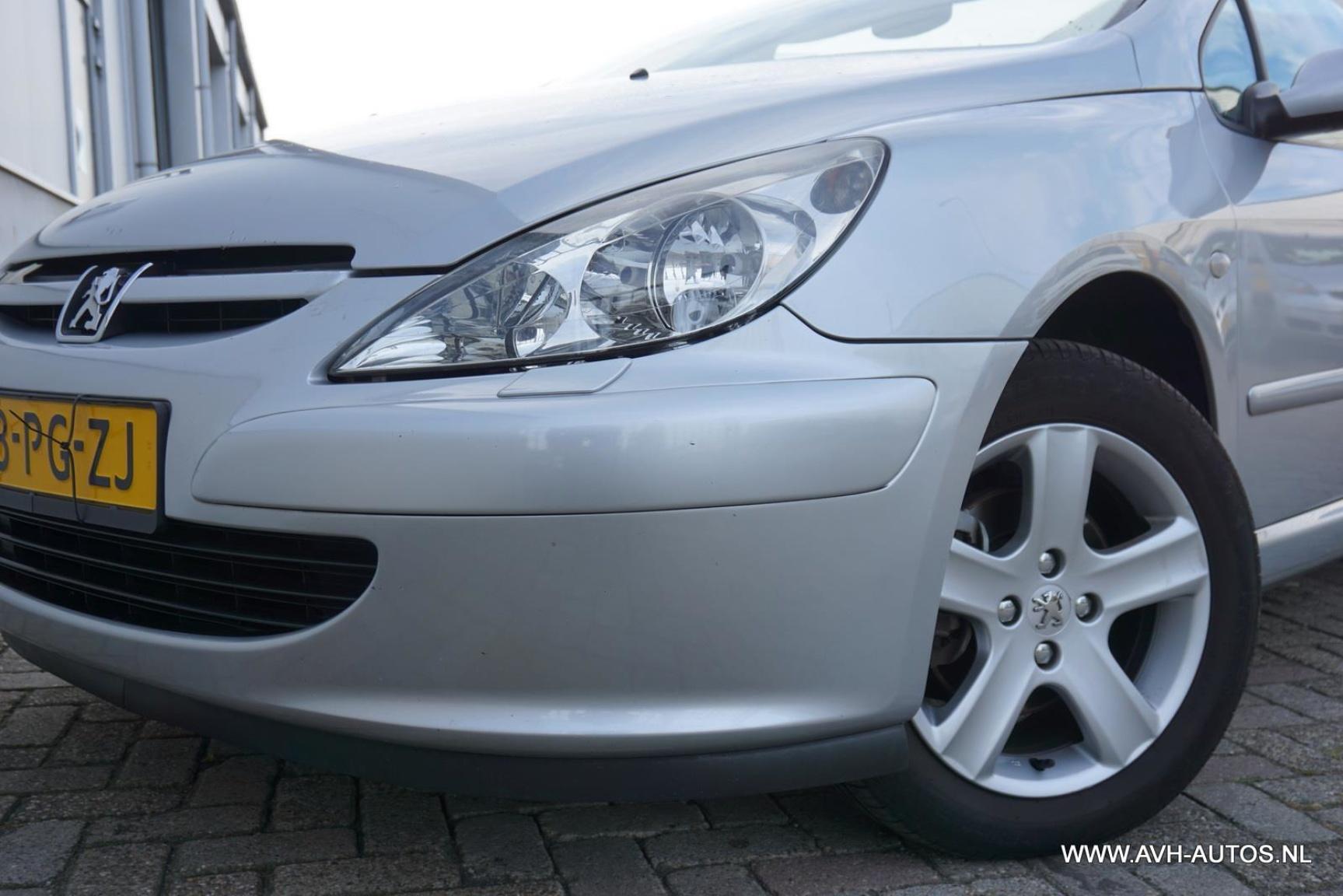 Peugeot-307-12