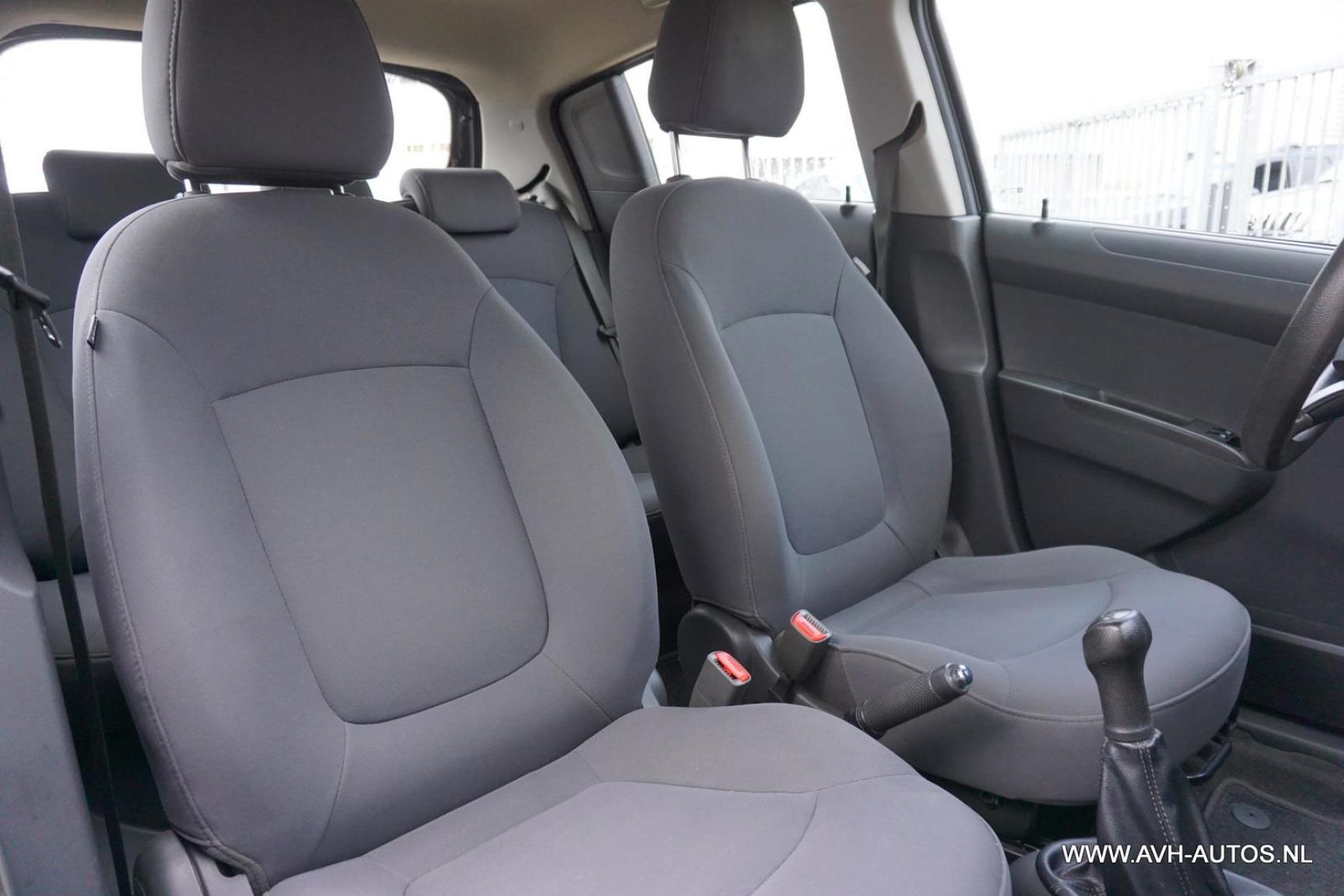 Chevrolet-Spark-19